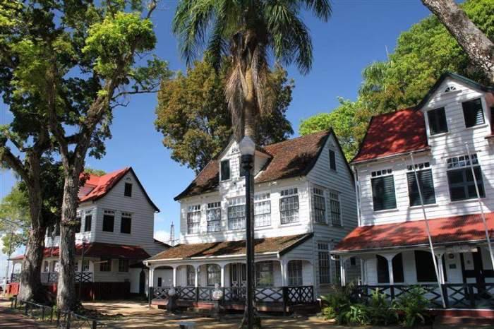 mansão antiga em Paramaribo, Suriname